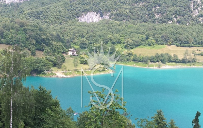 SINGLE HOUSE WITH PARK, TENNO LAKE - GARDA LAKE, Trentino Alto Adige